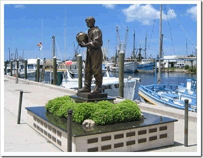 diver statue