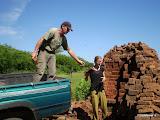 Bakstenen halen voor de watertoren