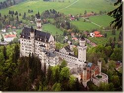 250px-Neuschwanstein_castle