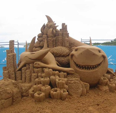 shark-sand-sculpture