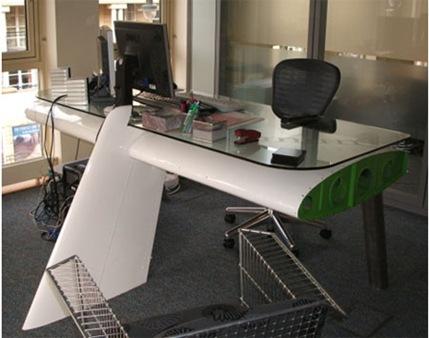 airplane-desk-2