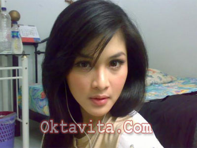 Sandra Dewi Hot