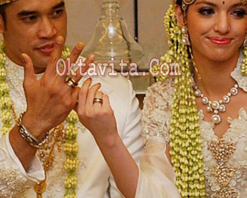 Cincin Pernikahan Nia Ramadhani - Cincin Kawin Nia Ramadhani - Cincin ...