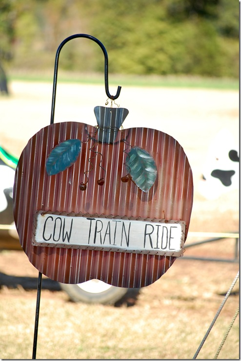cow train sign (1 of 1)