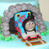 Thomas the Train Cake 095.JPG