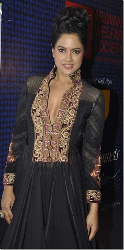 Sameera Reddy at Mijwan Fashion show2