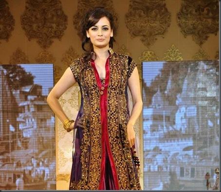 Dia Mirza at Mijwan Fashion show