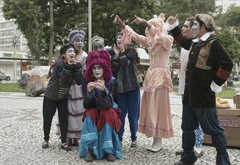 """A Megera Domada - grupo teatral """"Gota, pó e poeira"""" no Festival de Curitiba 2011. fotos: ©2011 Luc de Sampaio/Lente Aberta (crédito obrigatório)"""