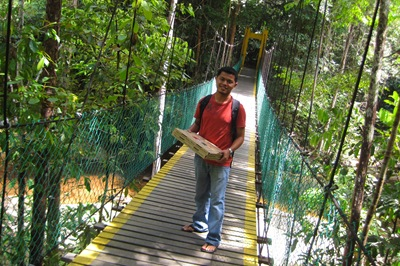 Jambatan gantung..nseb baek tak runtuh..hoho