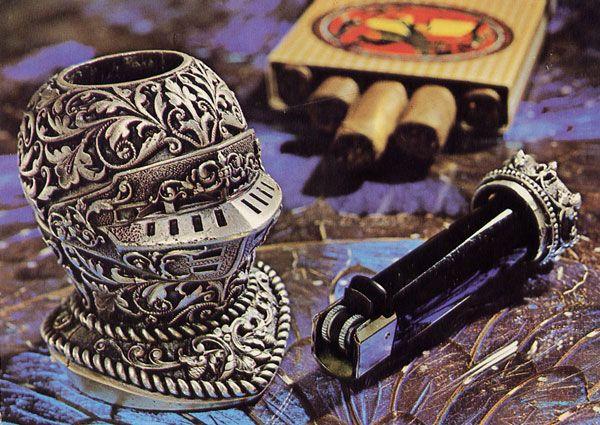 Cartes Postales Pop et  Kitsch des années 50, 70 et 70 - Pop and kitsch vintage postcards from the fifties, the sixties and the seventies : La manufacture pilote 62600 Berk-Plage (Pas-de-Calais)