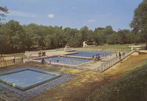 Cartes Postales Pop et  Kitsch des années 50, 70 et 70 Swimming Pools / Piscines