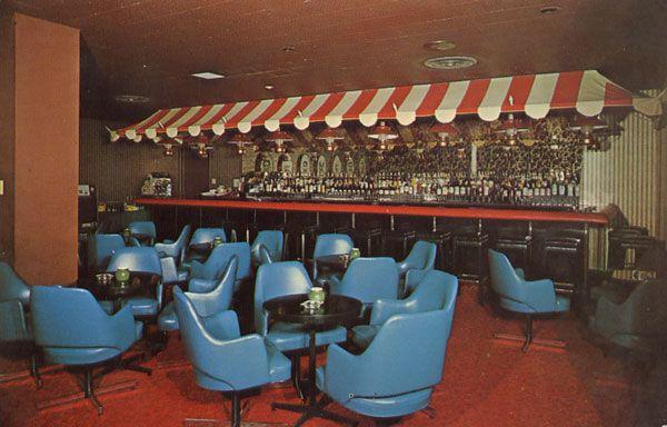 Cartes Postales Pop et  Kitsch des années 50, 70 et 70 Motel FONTAINEBLEAU 5500 est, rue Sherbrooke Street East Montreal, Canada Salon-Bar Le Moustachu Cocktail Lounge