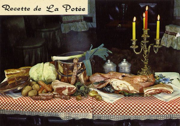 Cartes Postales Pop et  Kitsch des années 50, 70 et 70 - Pop and kitsch vintage postcards from the fifties, the sixties and the seventies : A table !? / Regrettable food