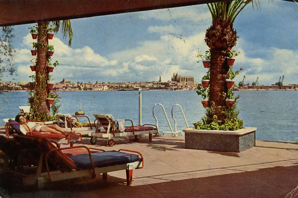 Cartes Postales Pop et  Kitsch des années 50, 70 et 70 - Pop and kitsch vintage postcards from the fifties, the sixties and the seventies : Palma de Mallorca - Isla Baleares Detalle en la bahia