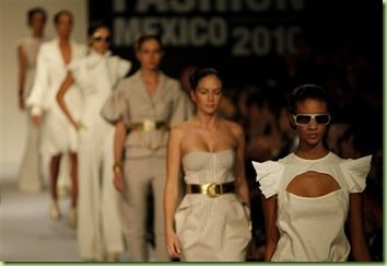 mexico-fashion-2009-10-22-1-10-53