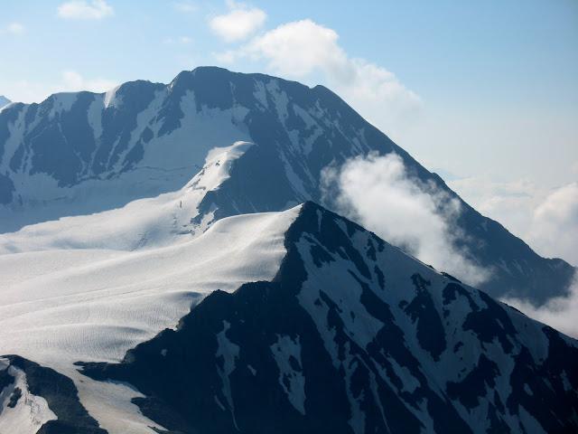 Вид с Марджинашвилли на вершину Мачхапара