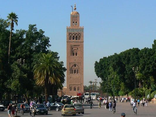 Obiective turistice Maroc: Jema el-Fnaa Marrakech - Koutoubia.JPG