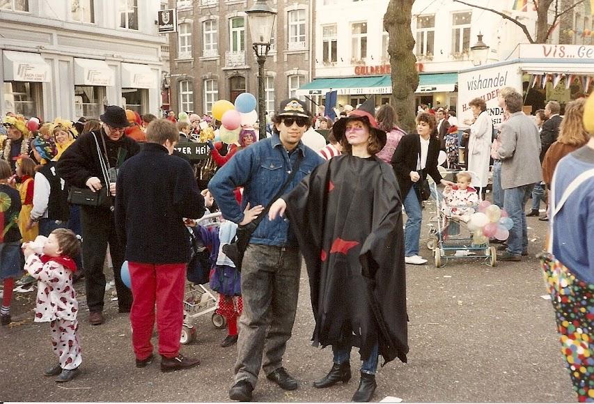 78. (1.03.1992, Maastricht, cu Lavinia in OLV Plein).jpg