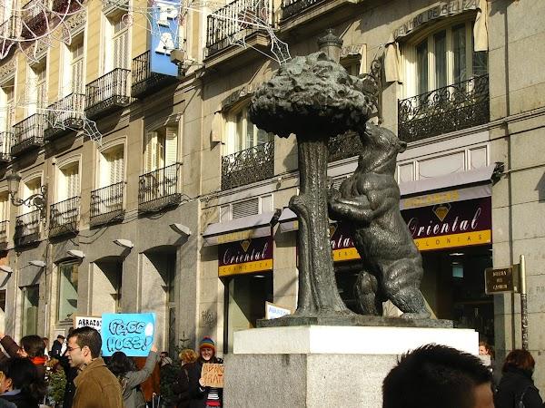 Imagini Spania: Ursul din Puerta del Sol.JPG