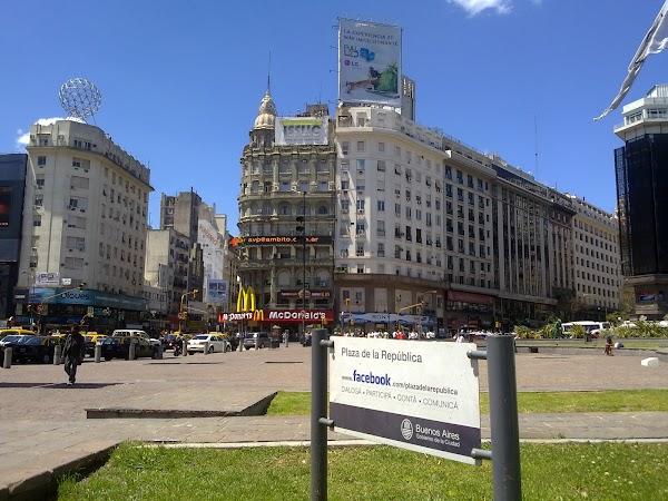Obiective turistice Argentina: Buenos Aires Plaza de la Republica.jpg