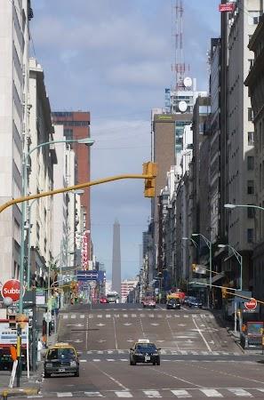 Obiective turistice Argentina: AVENIDA CORRIENTES, Buenos Aires