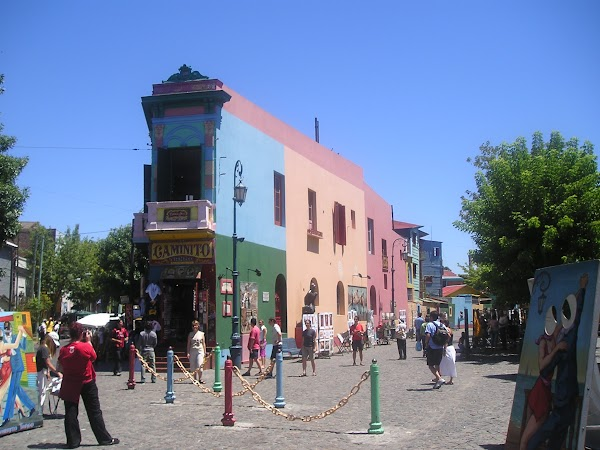 Obiective turistice Argentina: O poza la El Caminito in cartierul La Boca.jpg