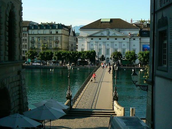 Obiective turistice Elvetia: pod raul Reuss, Luzern
