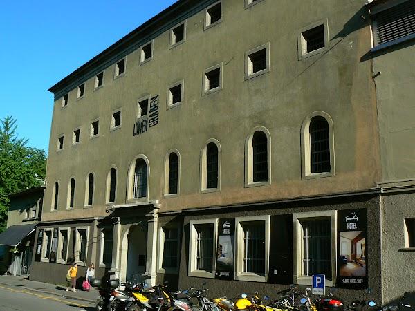 Obiective turistice Elvetia: puscaria hotel Lucerna