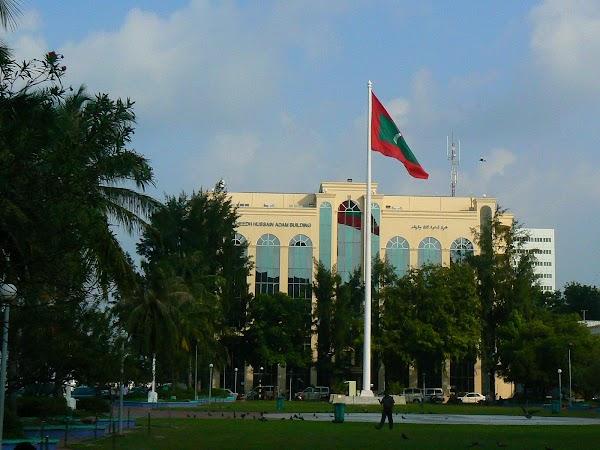 Imagini Maldive: main square.JPG