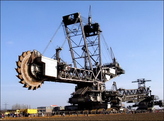 Largest Digging Machine  07