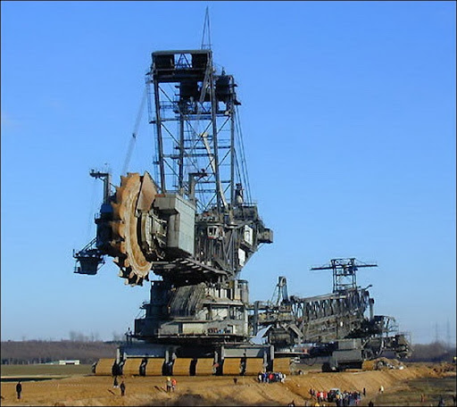 LargestDiggingMachine