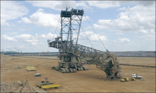 Largest Digging Machine  01