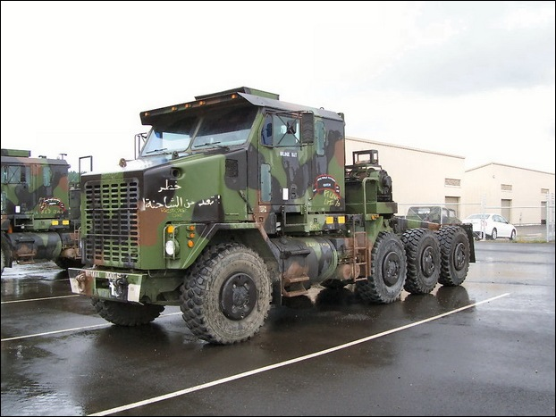 M1070 Heavy Equipment Transporter 01