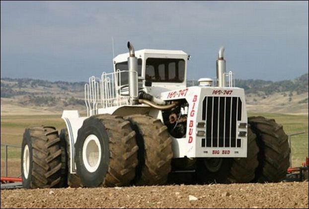 Big Bud 747 tractor 08