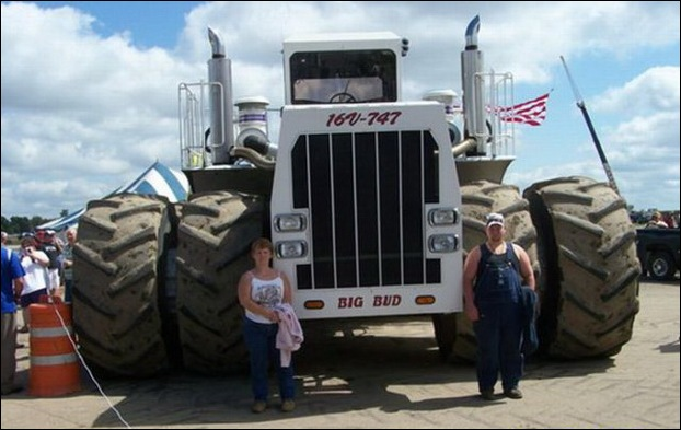 Big Bud One of the Biggest Tractors in the World ~ MegaMachine