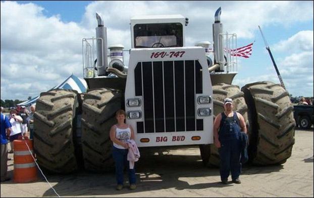 Big Bud 747 tractor 12