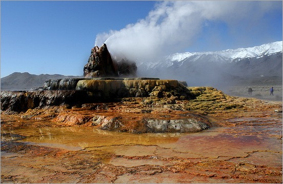 Fly Geyser in Black Rock Desert 13