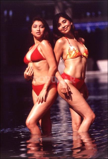 ayu-sarah-azhari-bikini-merah (2).jpg