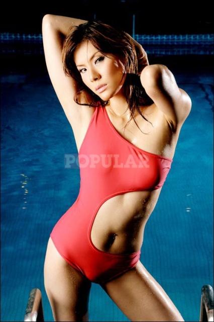 olga-lidya-onepiece.swimsuit-merah (5).jpg