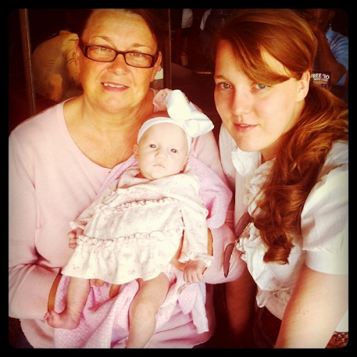 Bea, Mama and Mace