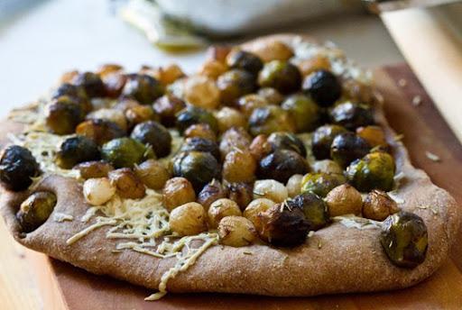 onion and rosemary vegan recipe pizza with potato onion and rosemary ...