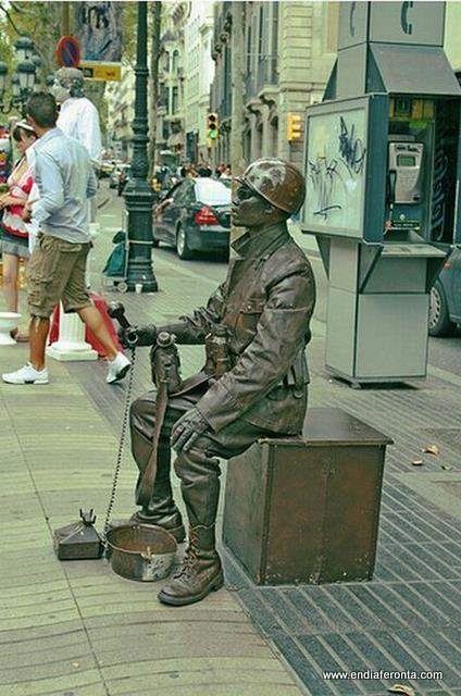 living-statues-around-the-world41.jpg