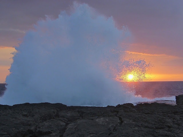Strong%20Surf%2C%20Wawaloli%20Beach%2C%20Kailua-Kona%2C%20Hawaii