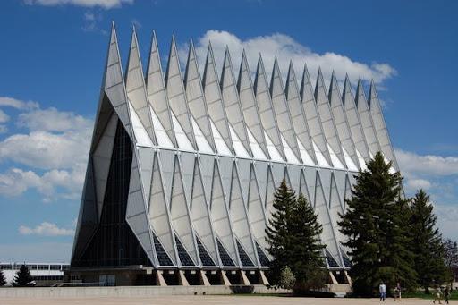 Кадетская часовня Академии ВВС США (United States Air Force Academy Cadet Chapel)