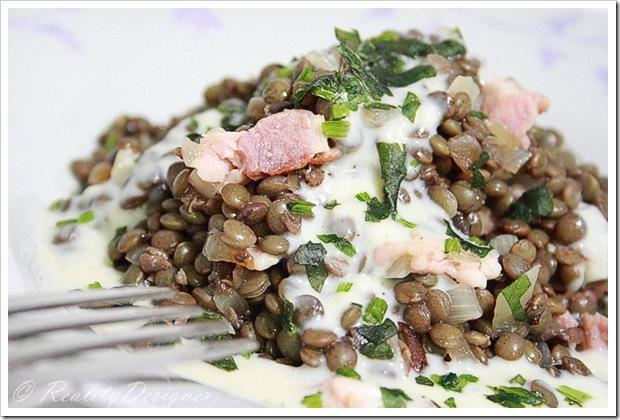 zielona soczewica z sosem beszamel/puy lentils under bechamel sauce