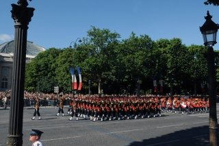 20110313-Indian-Soldier-France-March-past-Wallpapers-03-TN