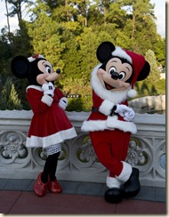 Mickey Minnie Santa