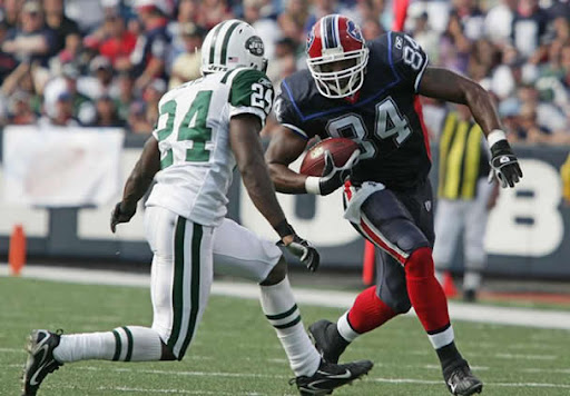 http://lh5.ggpht.com/_E6uVuXaBjJw/SrVKA91o-TI/AAAAAAAAAoA/Au0DghnLCTE/NFL_NY_Jets_vs_Buffalo_Bills_A1.jpg