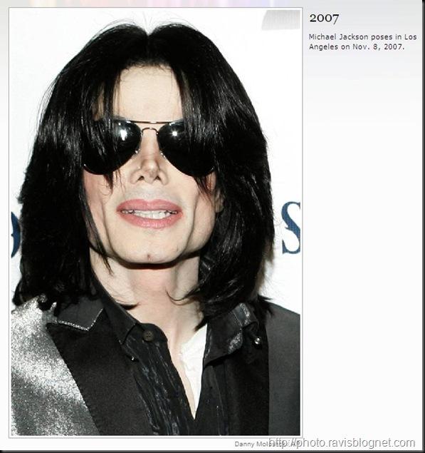Michael_Jackson_2007