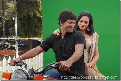 Jackie_Kannada_Movie_Working Stils1